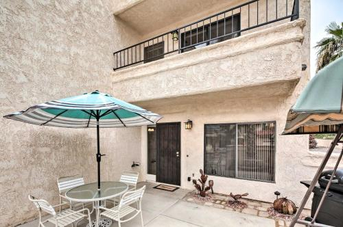 Townhome with Pool Access - 1 Mi to Crazy Horse!, Mohave