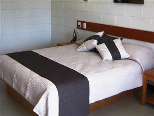 Amanaki Hotel, Vaimauga West