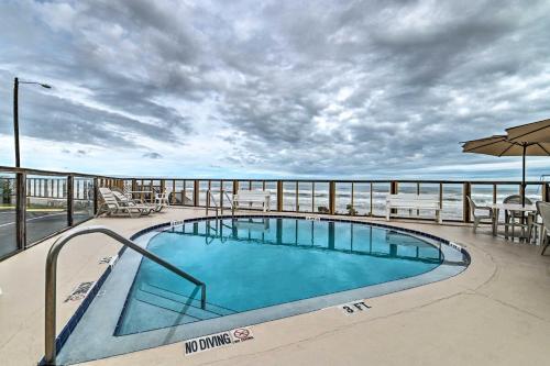 Cozy Studio on Ormond Beach Oceanfront with Pool, Volusia