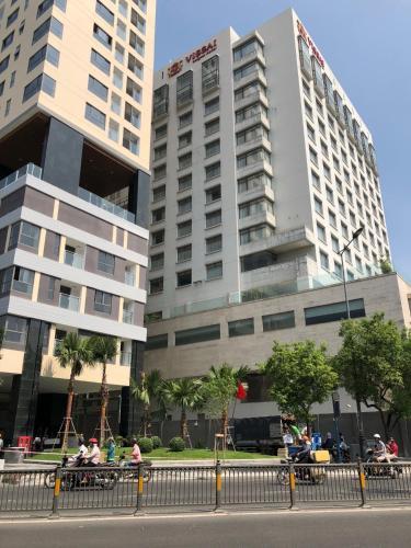 2 BR apt, Swim. Pool&Gym, central, Phú Nhuận