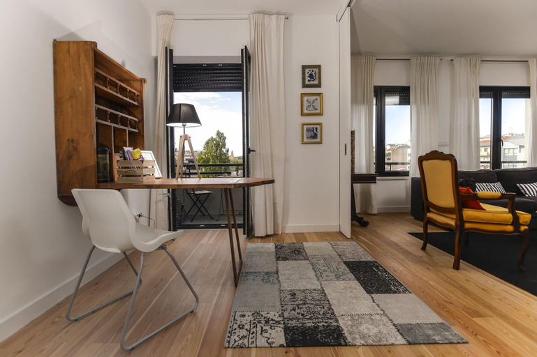 apartment with 4 bedrooms in lisboa, with wonderful city view, furnished balc..., Lisboa