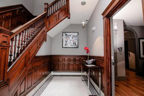 A Stylish Stay w/ a Queen Bed, Heated Floors.. #32, Norfolk