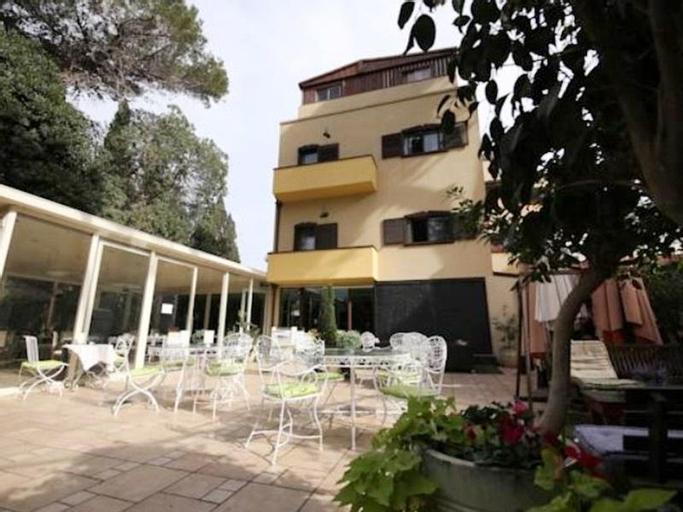 Villa Carmel Boutique Hotel,