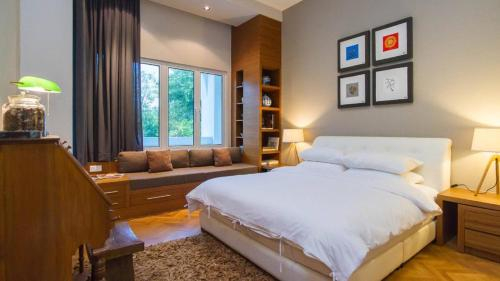 Luxury Marina Suite with PoolView at Strait Quay By theSea, Pulau Penang