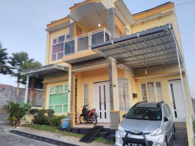 Villa Rainbow, Malang