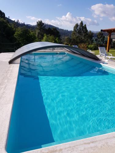 Quinta da Tormenta -14 pessoas- Cabeceiras de Basto 2 casas e piscina privada, Cabeceiras de Basto