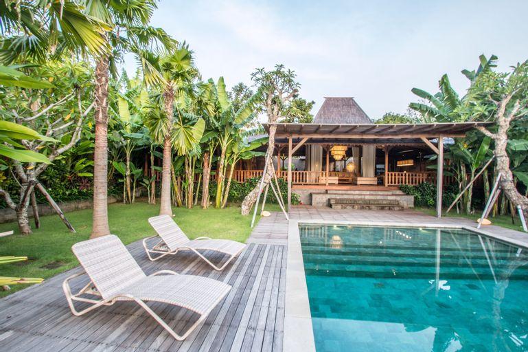 Marika Sawah Villas-4Bedroom Private Pool, Badung