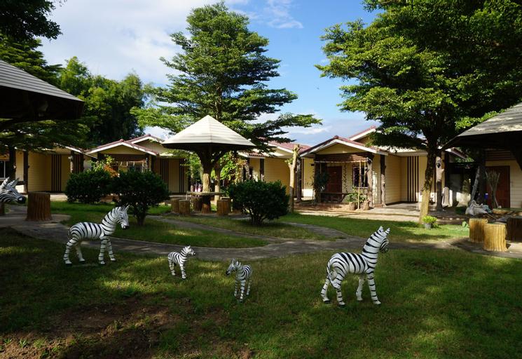 Monmai resort, Fang