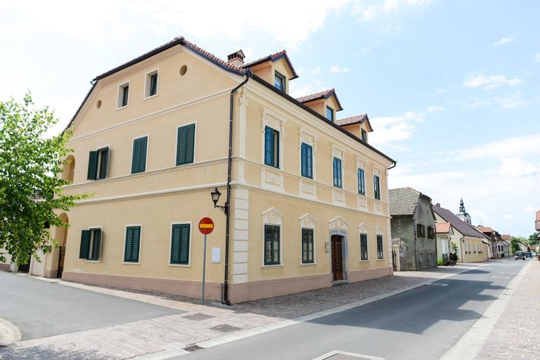 Vila Castanea, Krško