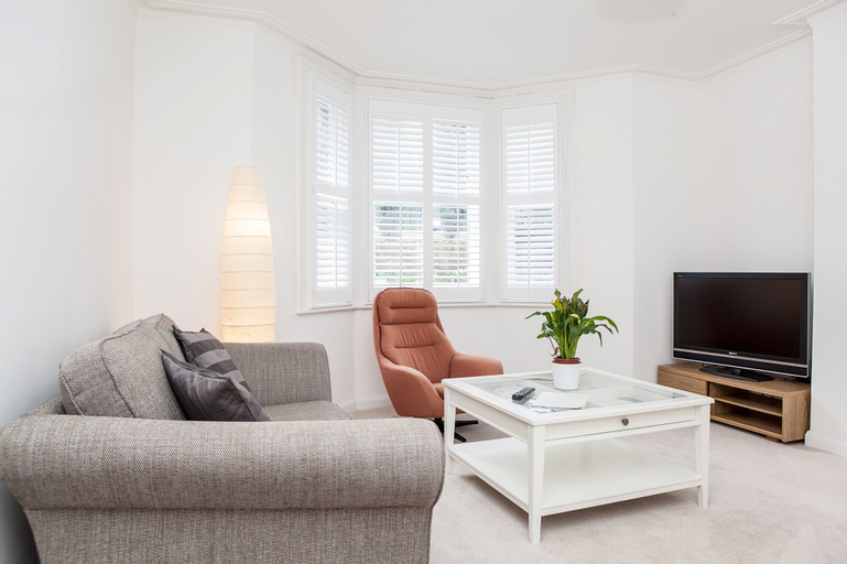 Lovely 1 Bed Self-Contained Flat In Greenwich, London