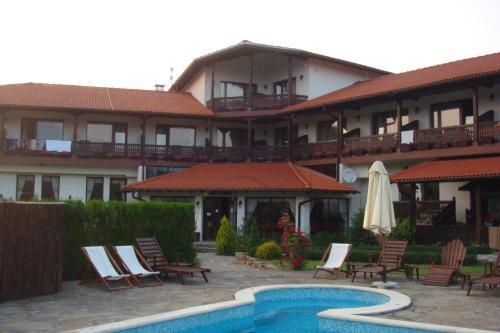 Family Hotel Svatovete, Apriltsi
