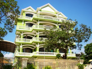 Than Sour Thmei Hotel, Sampov Meas