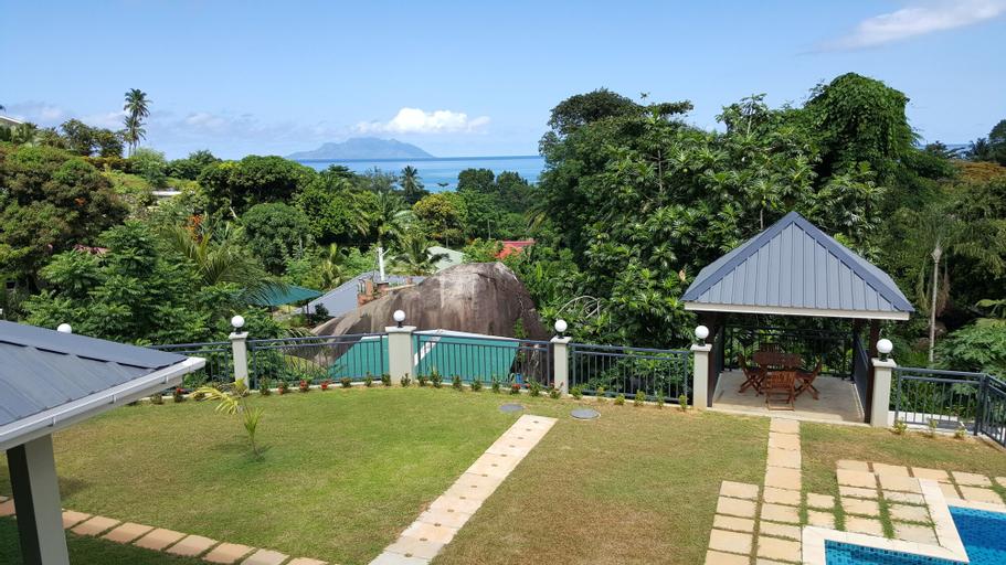 Bambous River Lodge,