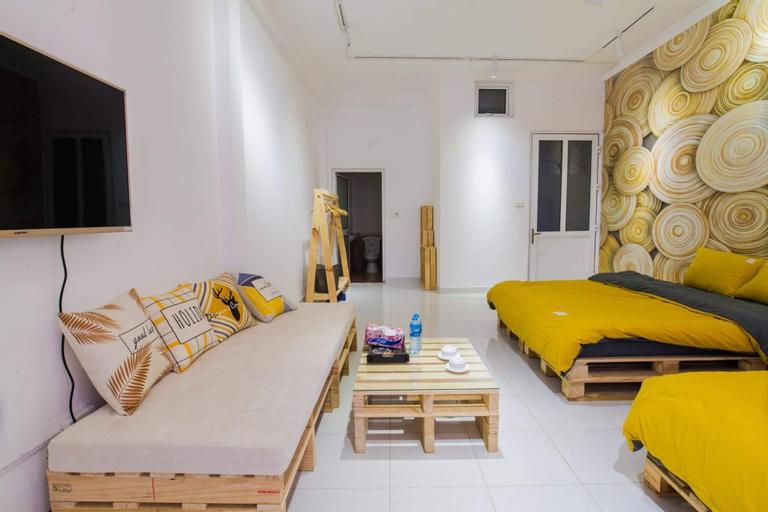 Golden House I, Hoàn Kiếm