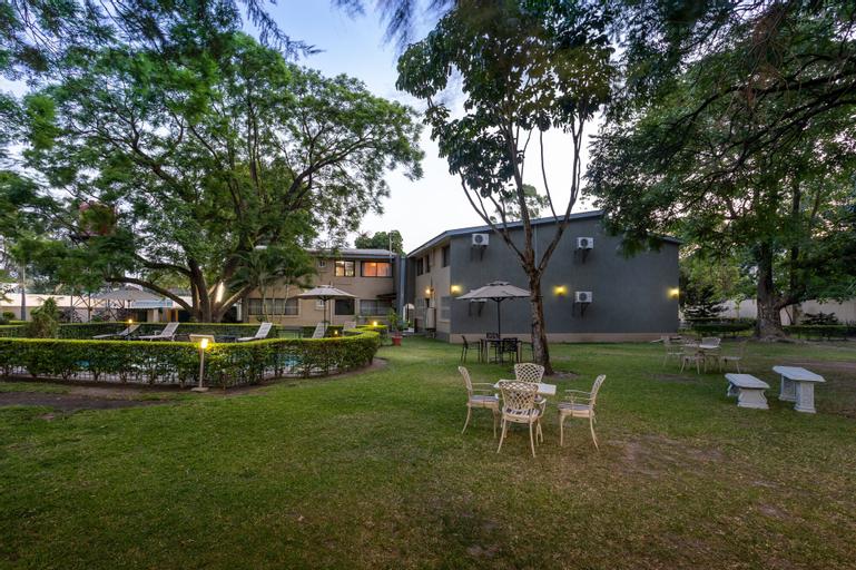 Fallsway Apartments Louden Court, Lusaka