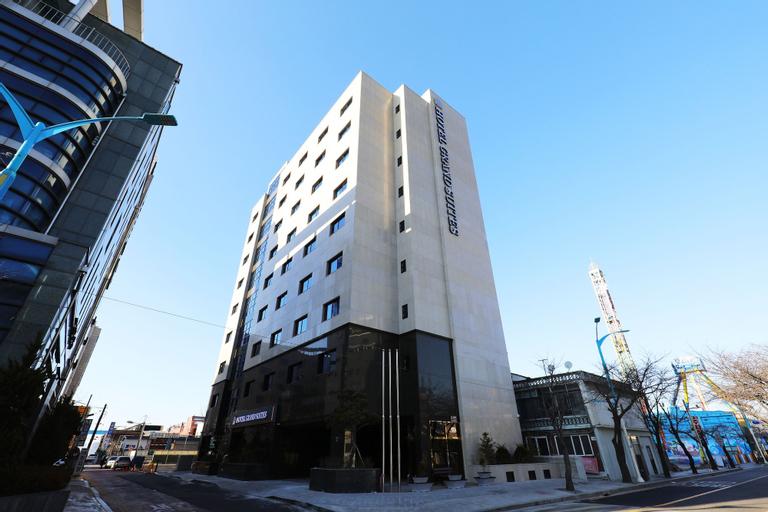 Hotel Grand Suite, Jung