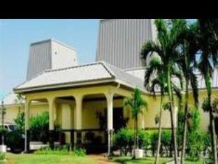 Royal Islander Hotel,