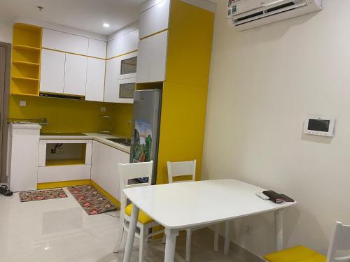 Lucky House - Homestay Vinhomes OceanPark, Gia Lâm