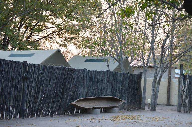 Motsebe Backpackers, Ngamiland East