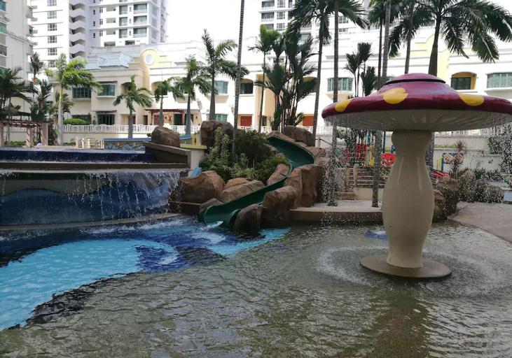 Luxurious Condo Near Gurney, Pulau Penang