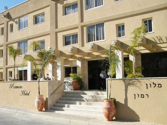 Ramon Suites Hotel,