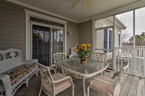 Luxury Bethany Beach Condo with Pool on Golf Course, Sussex