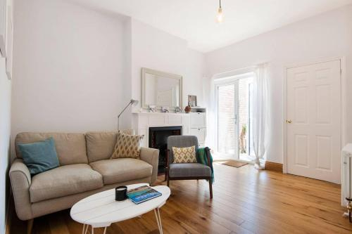 Stunning flat-Leafy Area of London-9 Mins Central, London