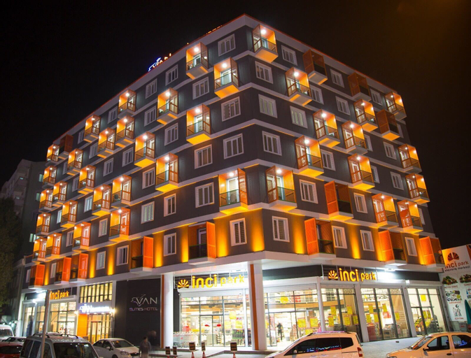 Van Hotel, Merkez