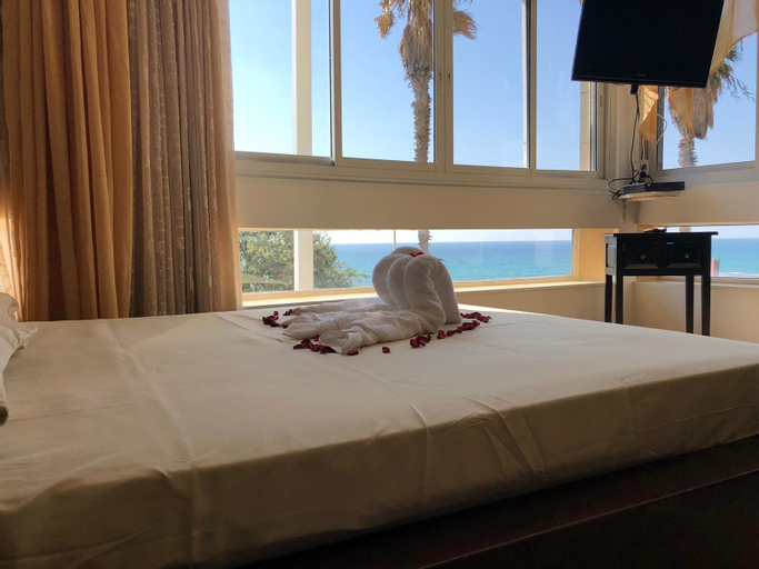 Suite sea view Jacuzzi from R&A Group,