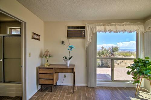 49 Palms Oasis Escape' - Mins to Joshua Tree, San Bernardino