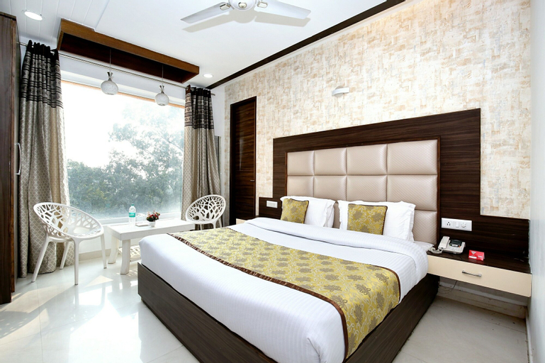 OYO 11367 Hotel Yellow, Sahibzada Ajit Singh Nagar