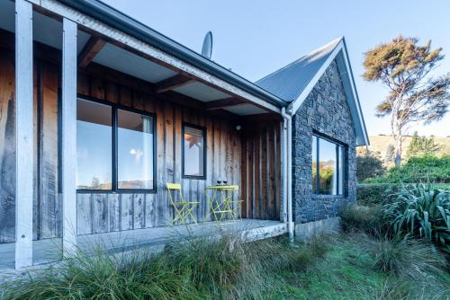 Fantail Cottage - Akaroa Holiday Home, Christchurch