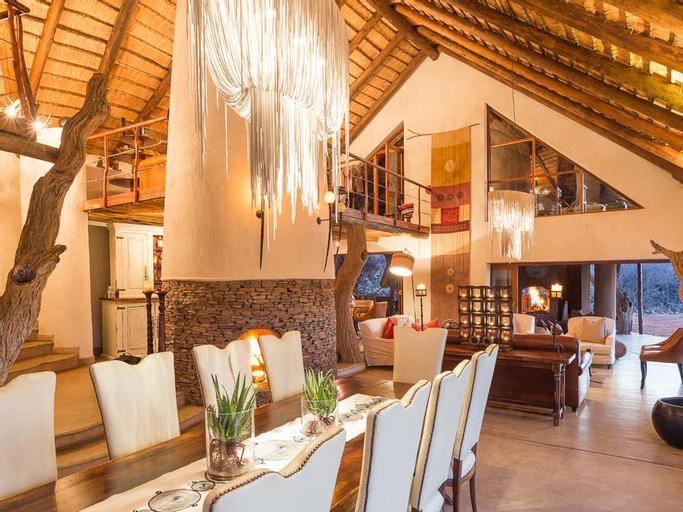 Royal Madikwe Luxury Safari Lodge, Ngaka Modiri Molema