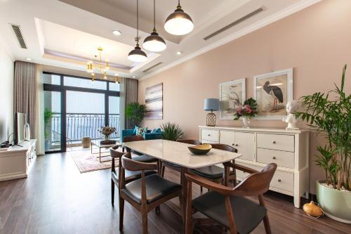 Chi's house - Royal City - R5, Thanh Xuân