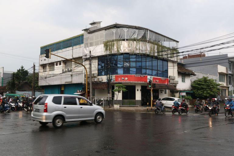 Bantal Guling Alun-Alun, Bandung
