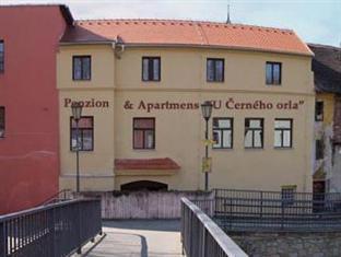 Penzion & Apartments U Cerneho Orla, Třebíč