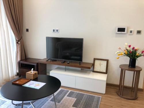 Vinhomes Metropolis Luxury Apartment 1 Br, Ba Đình