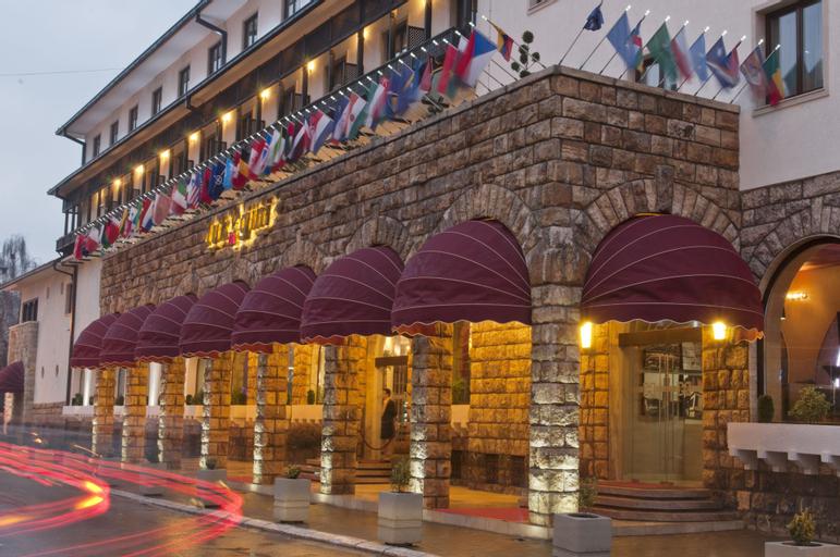 Hotel Dukagjini, Peć
