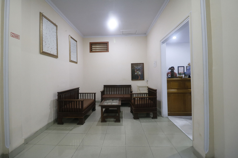 RedDoorz near Hermina Hospital Palembang, Palembang