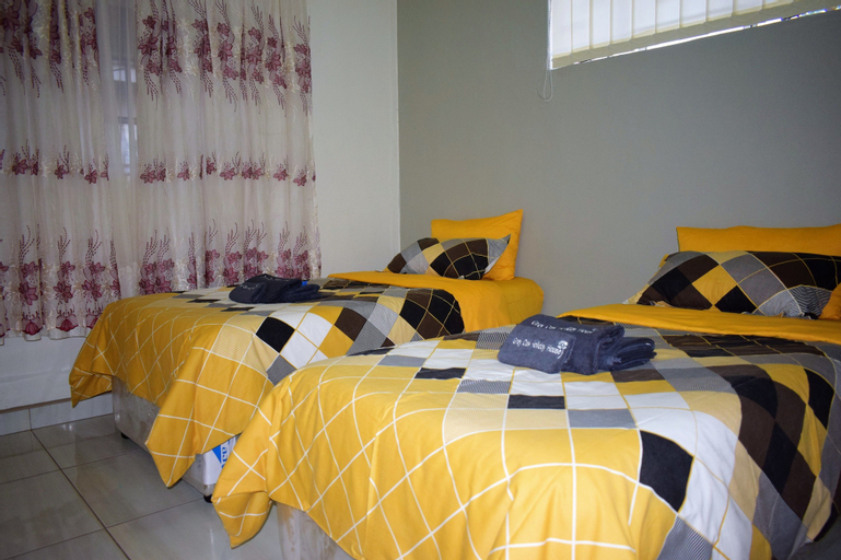 Grey Oak Holiday House, Bulawayo