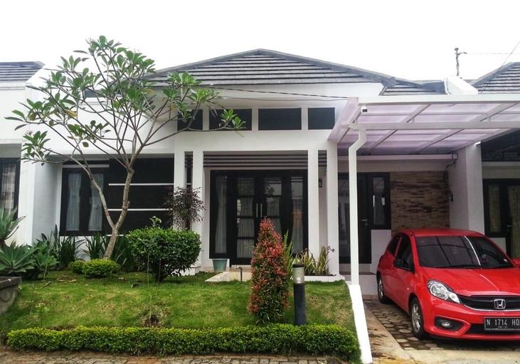 Green Menik Homestay, Malang