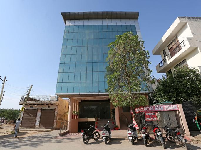 OYO 8536 Azad Square, Gurgaon