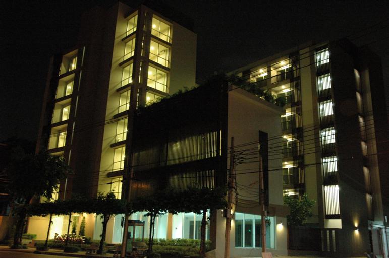 Bangkok Living Apartment, Phaya Thai