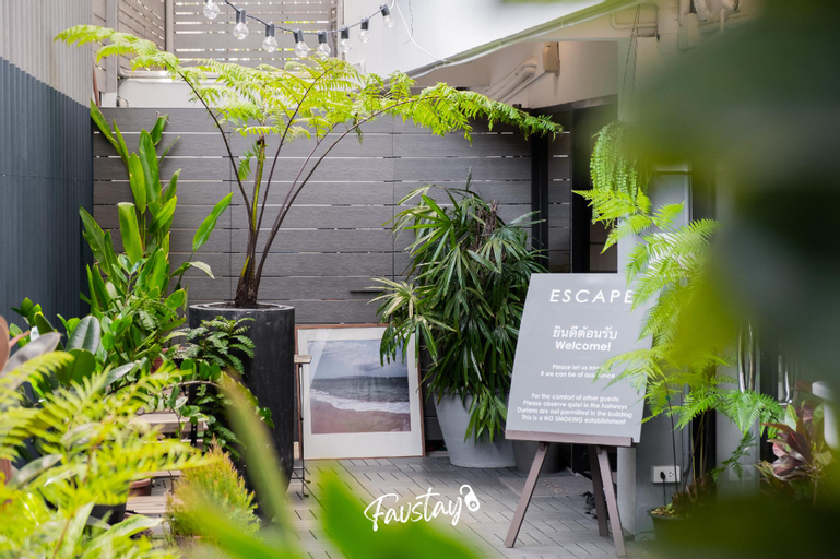 Escape Hometel @ Sathorn Terrace, Khlong San