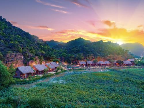 Muong Village Ninh Binh, Hoa Lư