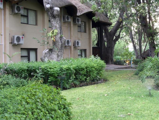Cresta Riley's Hotel, Ngamiland East