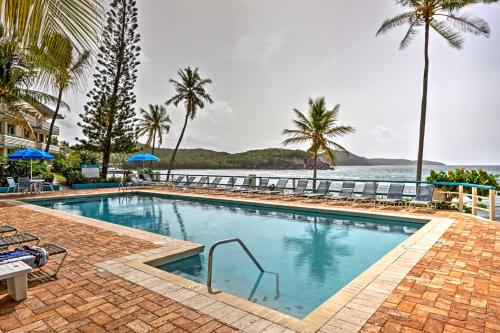 Bolongo Bay Oceanfront Condo with Community Pool!, Southside