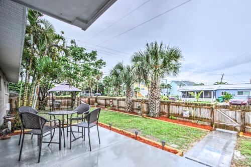 Cute Apt with Backyard and Grill - Steps to Cocoa Beach, Brevard