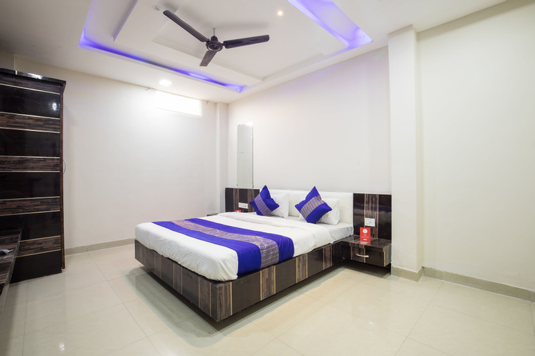 OYO 8857 Hotel Raj Palace, Dhar