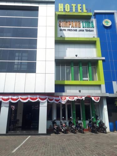 Hotel Simpang Lima, Semarang